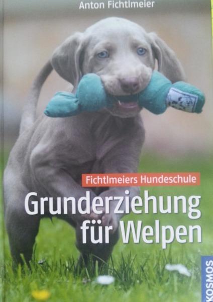 Welpenbuch von Anton Fichtlmeir in der Hundeschule Waldstetten